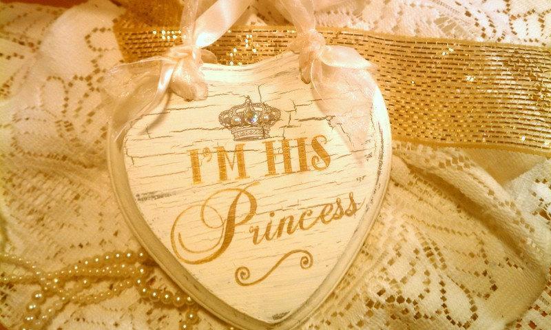 Mariage - FAIRYTALE Wedding Sign Set, GOLD Wedding Crown, Crystals, Pearls Princess Sign Cinderella Wedding, Royal Wedding, Disney Wedding