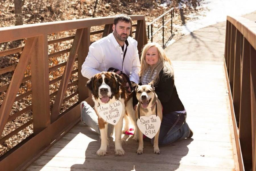 Hochzeit - Two Dogs Set My Humans are getting Married Save the Date Sign Heart Signs Photography Props Enagement Pictures Wedding Dog