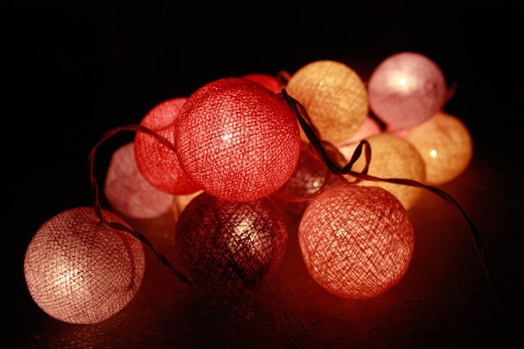 Hochzeit - Red tone cotton ball string lights for Patio,Wedding,Party and Decoration (20 bulbs)