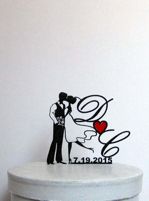 Свадьба - Custom Wedding Cake Topper - with Your initials, wedding date and Red Heart