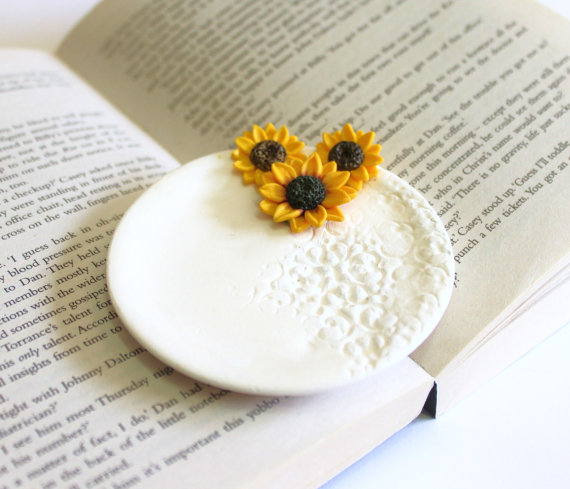 Wedding - Sunflower ring Dish, holder Ring bearer, Wedding rings storage rustic wedding, wedding decoration, Wedding Gift, Sunflower ring