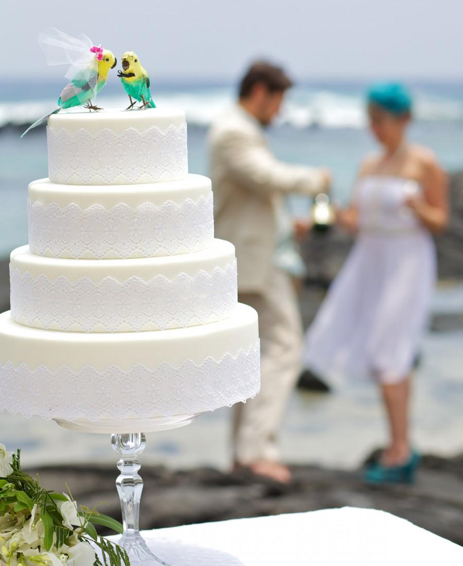 Mariage - Parakeet Cake Topper in Aqua Green and Yellow: Tropical Bride and Groom Love Bird Cake Topper -- LoveNesting Wedding Cake Toppers
