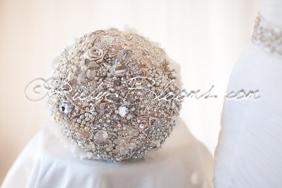 "Mariage - Gold, Silver Ivory Wedding brooch bouquet. ""Wedding Dream"" Pearl Peacock Brooch Bouquet. Crystal Heirloom Bridal broach bouquet, Ruby Blooms"