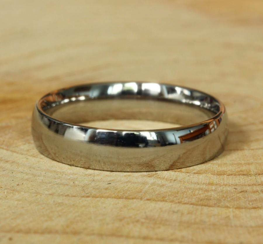Mariage - 4mm Wide Comfort Fit / Court Shape Titanium Plain band Wedding Ring