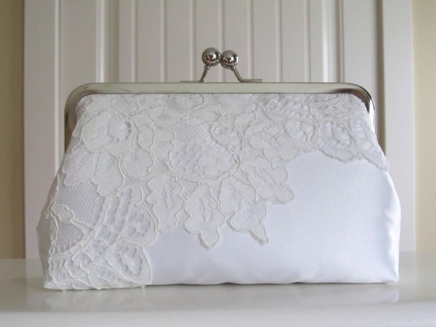 Mariage - SALE Timeless Elegance Silk And Lace Clutch,Bridal Clutch,Bridal Accessory,Clutch purse,Wedding Clutch