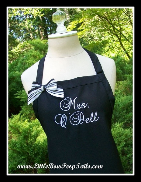 "Mariage - Personalized Black Wedding Dress ""Mrs."" Apron - Her New Married Name - Cutting the Cake - Brides Personalized Wedding Aprons - Shower Gifts"
