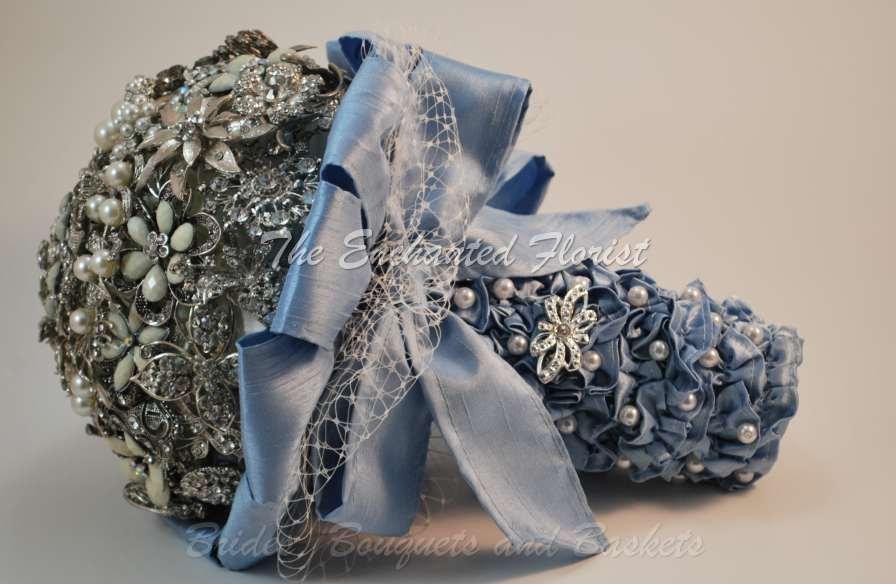 Mariage - brooch bouquet, bridal bouquet, wedding bouquet, bridesmaid bouquet, wedding decor, brooch accessories, white wedding, blue bouquet