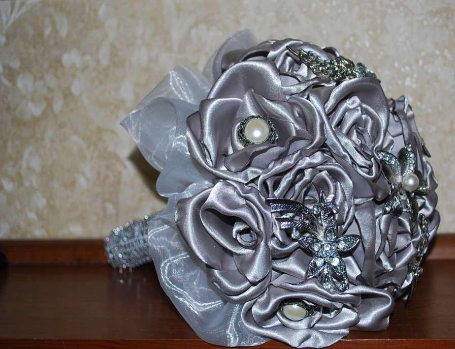 Wedding - Bridal Bouquet - Brides Bouquet - Grooms Bout of Platinum Colored Roses, Crystal and Pearl Brooches & Embellishments