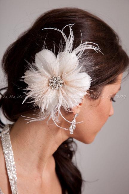 Mariage - Bridal Feather Hair Piece, Soft White or Light Ivory, Champagne Streamers, Swarovski Rhinestone Center, Birdcage Fascinator  - Estelle