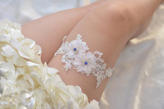 Свадьба - bridal garter, wedding garter, bride garter ,off-white  lace garter,,  beaded floral garter,light pink flower garter