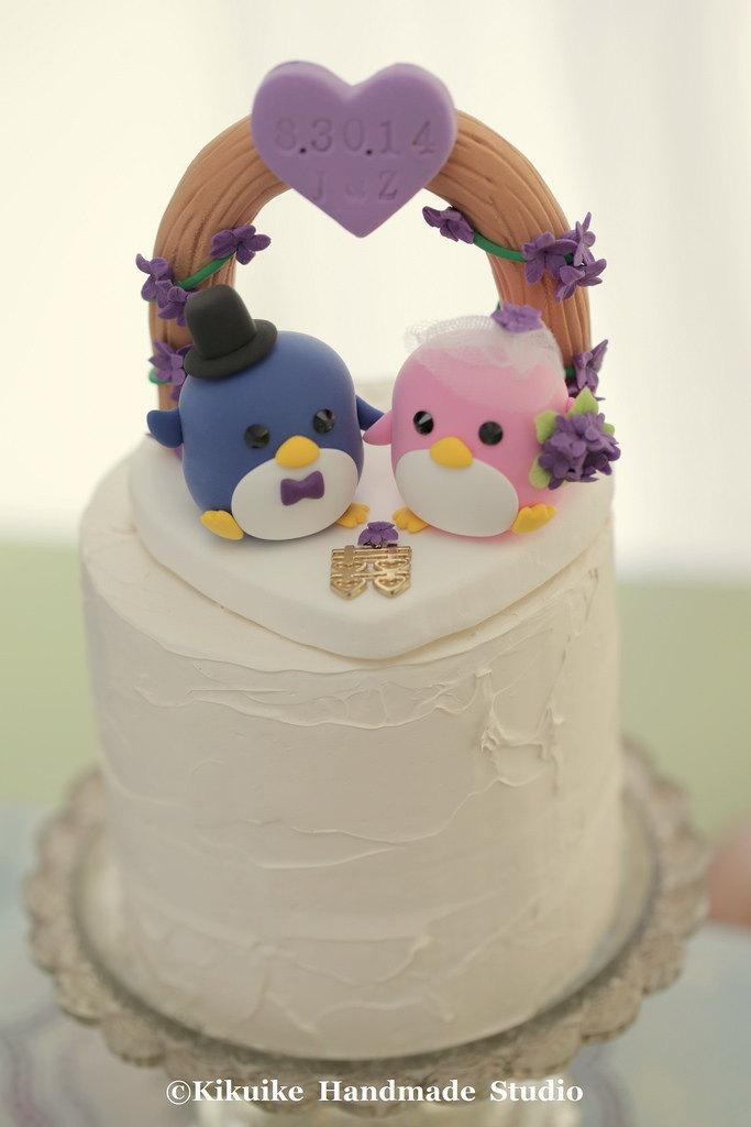Mariage - penguins with flower arch Wedding Cake Topper (K431)