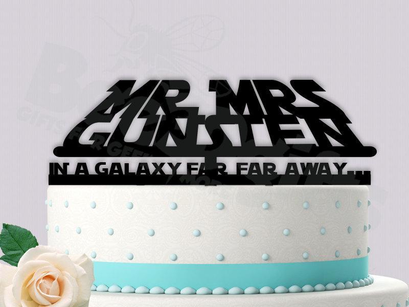 Hochzeit - StarWars Inspired Wedding Cake Topper