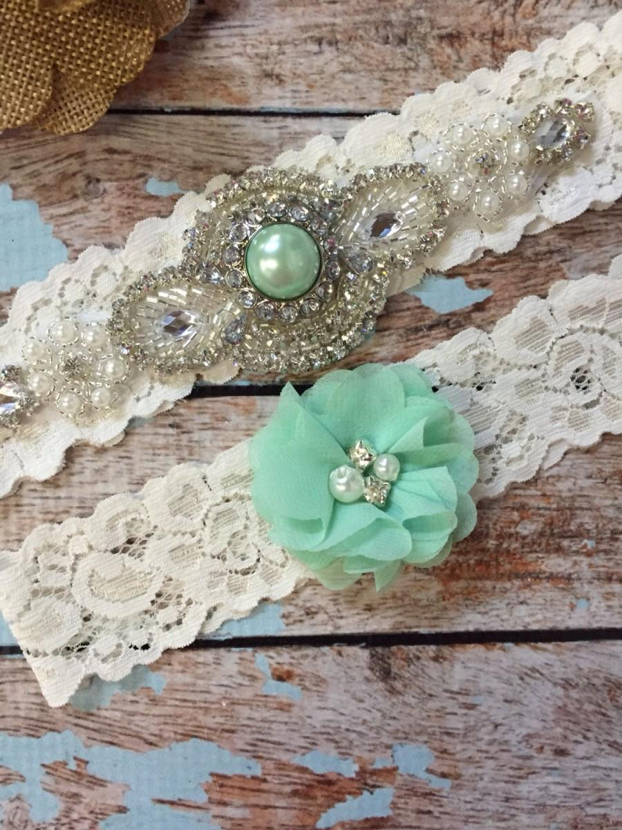 Mariage - Mint Wedding garter / Lace garter SET / bridal  garter / vintage lace garter / toss garter / wedding garter/ mint green