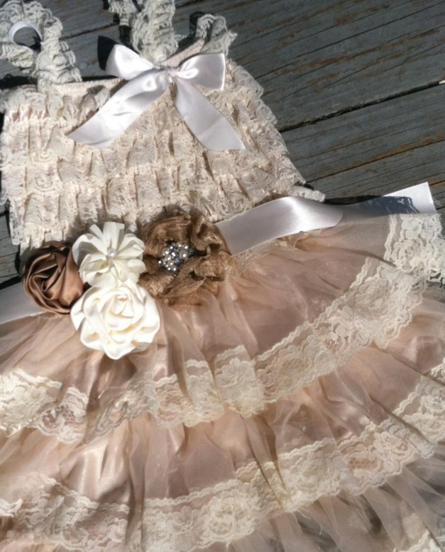 Mariage - Rustic Flower Girl Dress-Cream-Tan-Ivory-Wheat-Rustic Flower Girl Outfit/Wheat Cream Flower Girl- Shabby Chic Flower Girl-Country Wedding