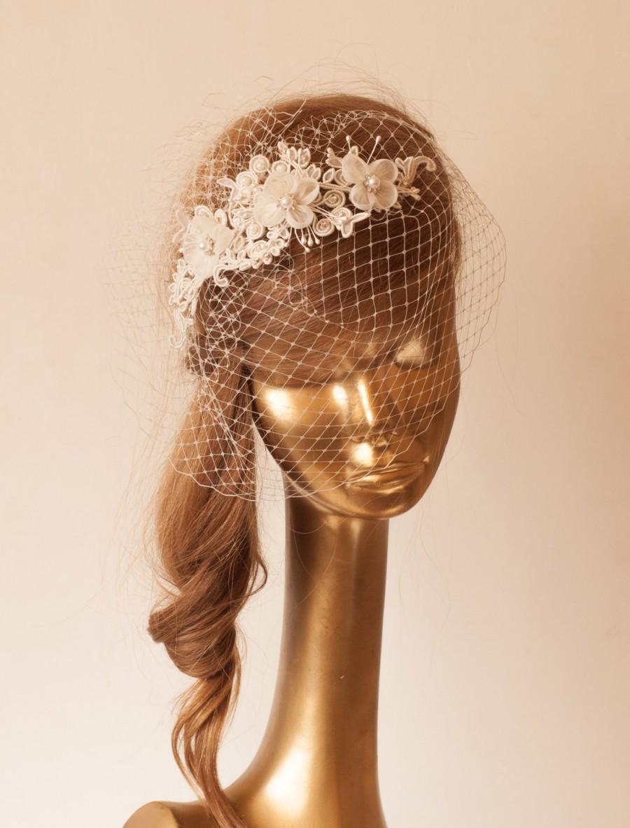 Свадьба - Ivory Lace BIRDCAGE VEIL, Vintage Style Birdcage Veil. Bridal FASCINATOR.