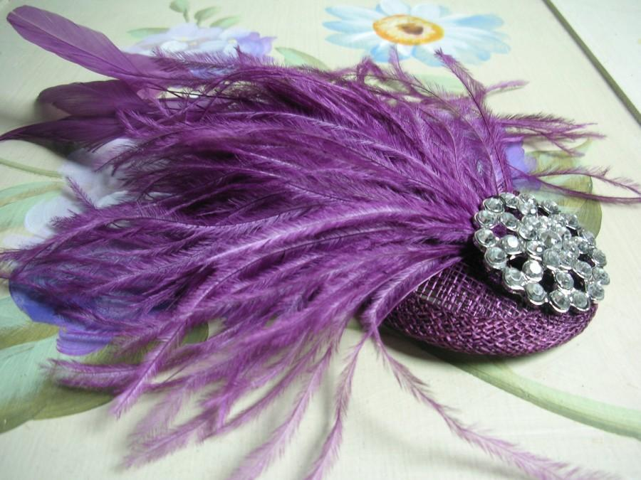 Mariage - New handmade 1920s inspired mauve purple feather fascinator
