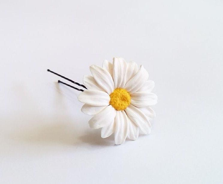 Свадьба - Daisies White Flower - Wedding Hair Accessories, Bohemian Wedding Hairstyles Hair Flower