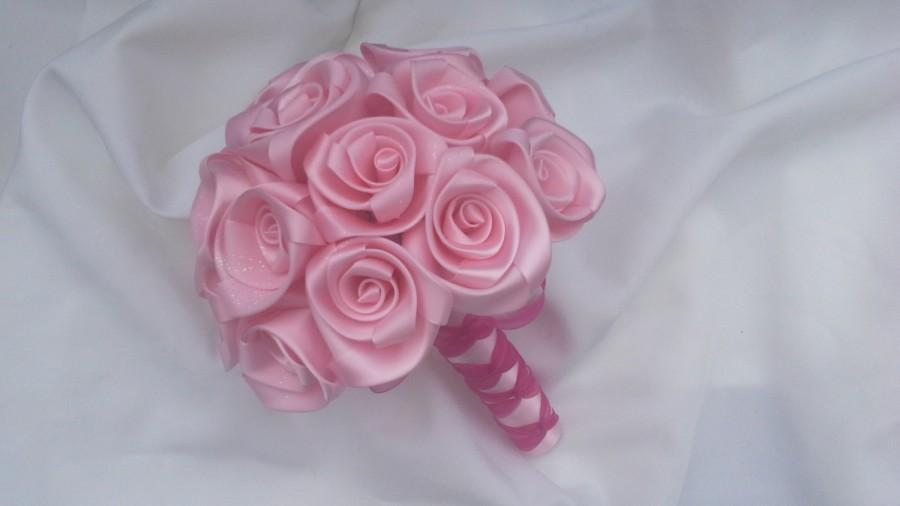 Mariage - Handcrafted Wedding bouquet for your Bridesmaids in Pink Satin Rose