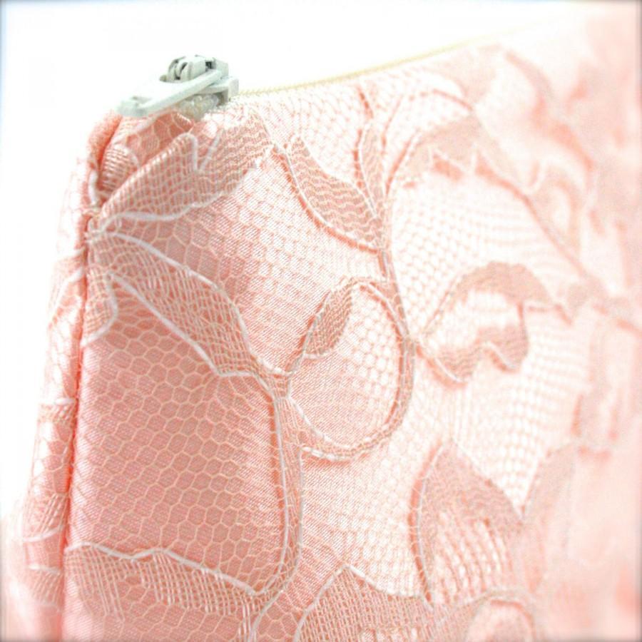 Hochzeit - Rose Quartz Pantone Color of the Year Lace Bridesmaid Gift Blush Pink & Cream Wedding Cosmetic Bag (Blush Wedding, Blush Bridesmaid Gift)