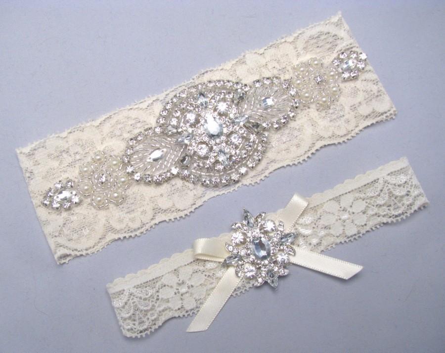 Свадьба - Rhinestone Bridal Garter Set, Crystal Lace Garter, Ivory / White Pearl Garter, Garter with Bow, Wedding Garter, Plus Size or Petite Garter