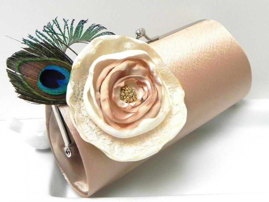 Свадьба - Feather Bridal Clutch - Feather Bridesmaid Clutch  - Kisslock Snap Petite Clutch -  Custom Colors - Black Silver Gold Ivory Champagne
