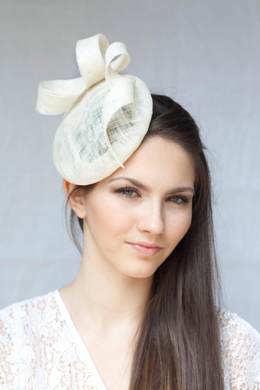 Mariage - Bridal Sinamay Beret with Swirl, Bridal Millinery Hat, Ivory Beret, Vintage inspired Pillbox