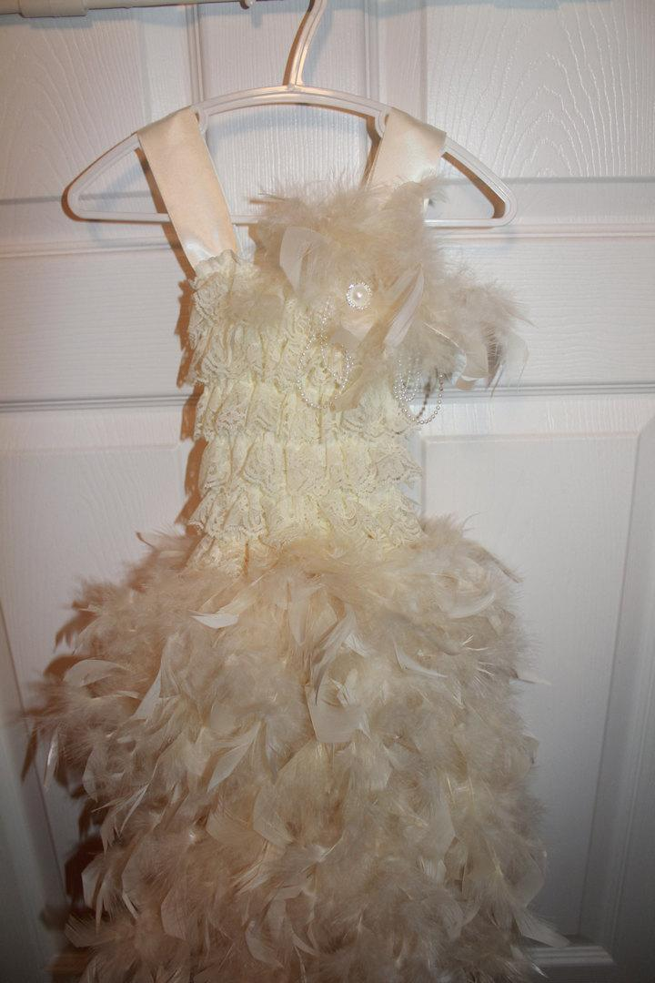 Hochzeit - Rustic flowergirl, Feather flower girl, Flowergirl dress, Girls feather dress, Pageant dress, Jr Bridesmaid Dress, Beach Wedding