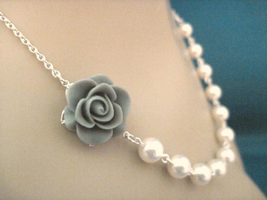 Свадьба - Bridesmaid Jewelry, Bridal Jewelry Gray Rose and Pearl Bridesmaid Necklace