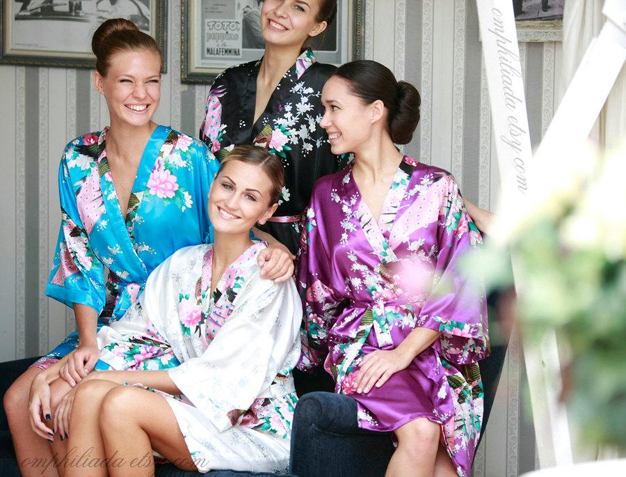Hochzeit - SALE! Set of 4 Robes,  Bridesmaid Gift, Bridesmaid Robe, Kimono, Bridesmaids Party Robes, Bridal Shower Robe, Fast Shipping from New York