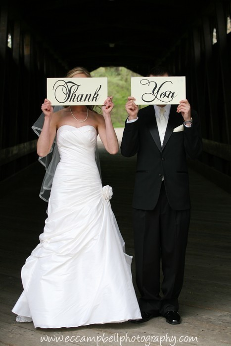 Boda - Wedding Thank You Signs, Photo Prop Signs, Wedding Photos, Reception Signs, Featured on Etsys Front Page. Two (2) Signs, 8 X 16 inches.