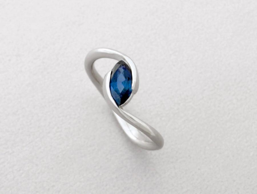 Mariage - Marquise engagement ring, Blue Sapphire engagement ring, Unique engagement ring, 14k solid gold ring with marquise shaped deep blue sapphire