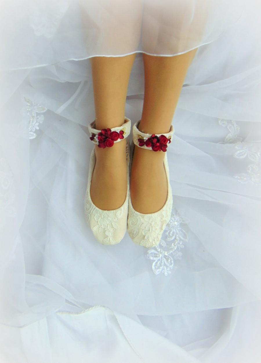 Свадьба - Flat  Wedding Shoe~Lace Bridal Flat~Lace Bridal Shoe~Ivory Bridal Flat~ White Bridal Flat~Red Bridal Accessories~Valentine Bride~Lace Shoes