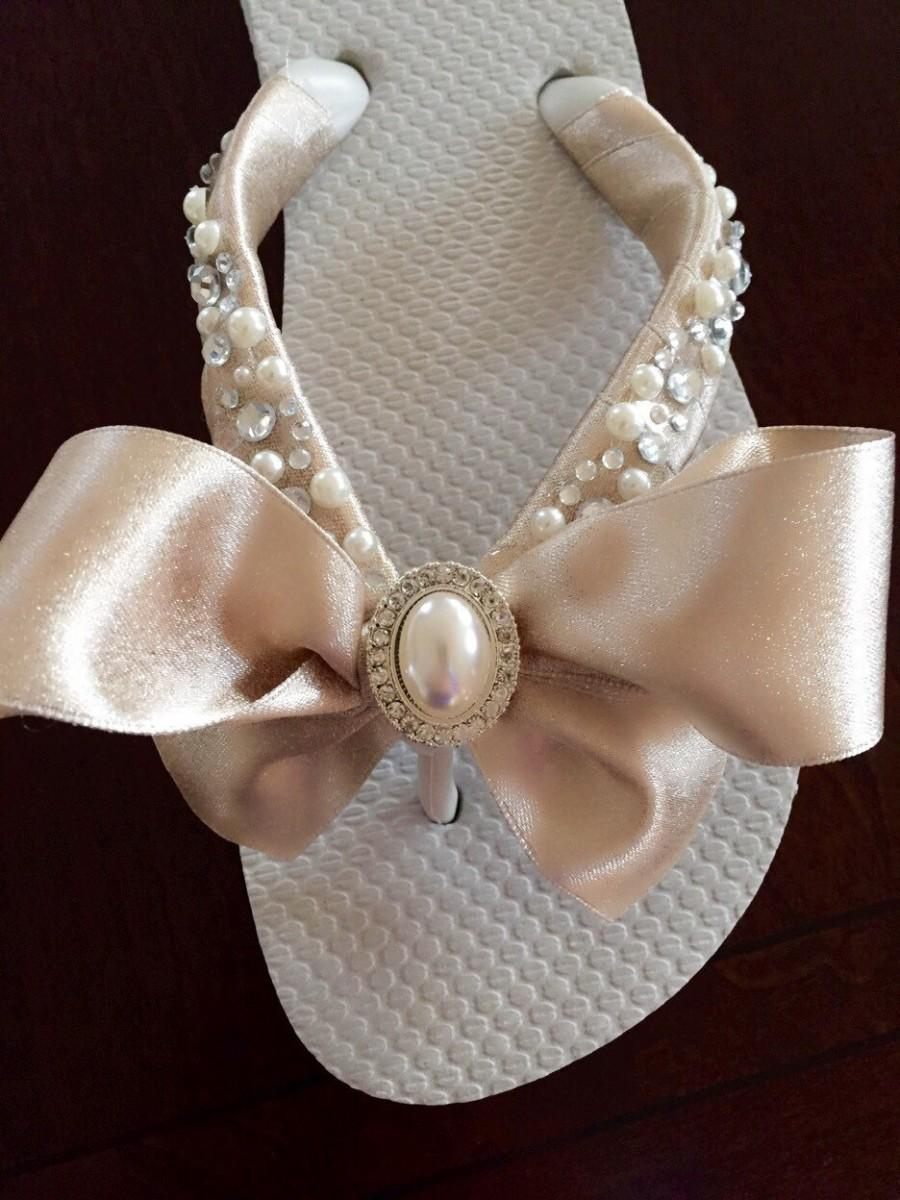 Свадьба - Bridal Flip Flops/Wedges/Shoes. Wedding Flip Flops.Bridal Bowz Flip Flops. Ivory Flip Flops. Destination Wedding. Wedding Shoes.Sandals