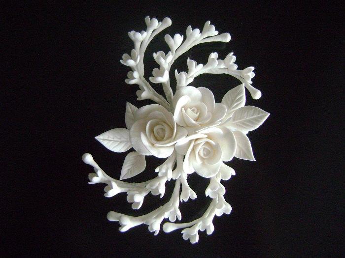 Свадьба - White Rose Hair Clip Wedding Hair Piece Bridal Hair fascinator Wedding Hair Flower Clay Flowers Bridal Hair Accessories