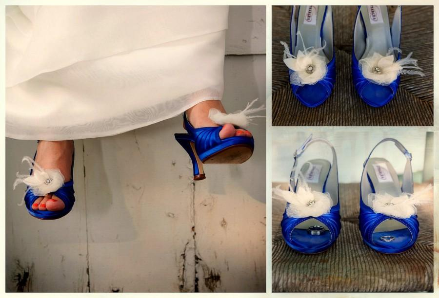 Mariage - White Shoe Clips. Bride Bridal Wardrobe Shoe Accessory, Ivory Navy Blue Yellow Tangerine Wedding Season, Spring Gift Her Fashion Shoe Pin