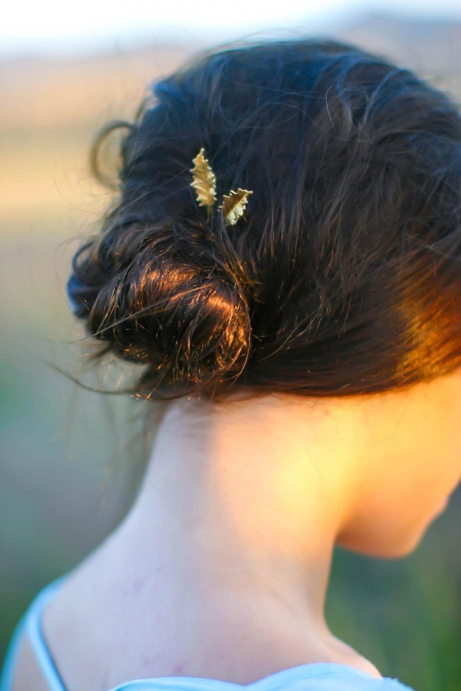 Mariage - Holly Leaf Hair Pins Christmas Holly Bobby Pins Christmas Hair Clips Xmas Hair Winter Wedding Hair Accessory