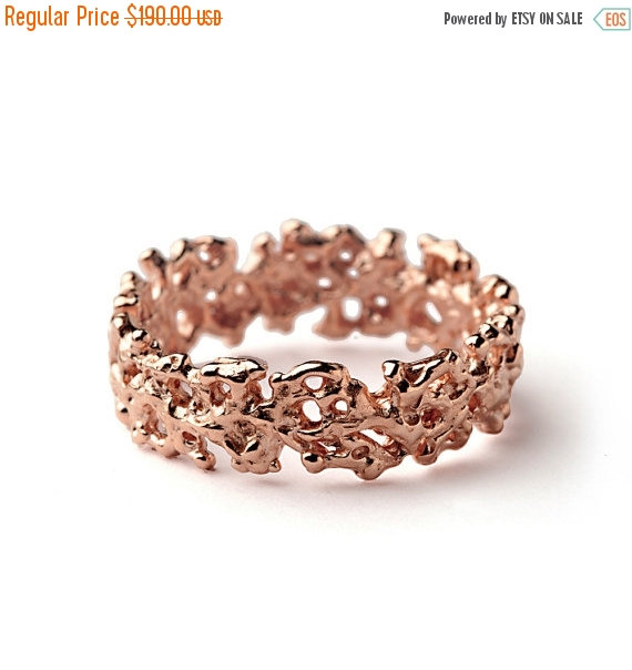 Mariage - Christmas SALE - CORAL Rose Gold Wedding Band Ring, Men's Wedding Band, Women's Wedding Band, Organic Wedding Ring