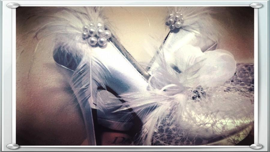 Mariage - Wedding Shoe Clips Ivory White Black Feather & Pearl / Rhinestone. Bride Bridesmaid, Engagement Bridal Shower Gift, Spring Sparkle Burlesque