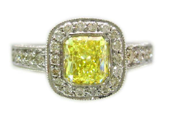 زفاف - 18k white gold cushion cut fancy yellow diamond engagement ring bezel 1.70ctw