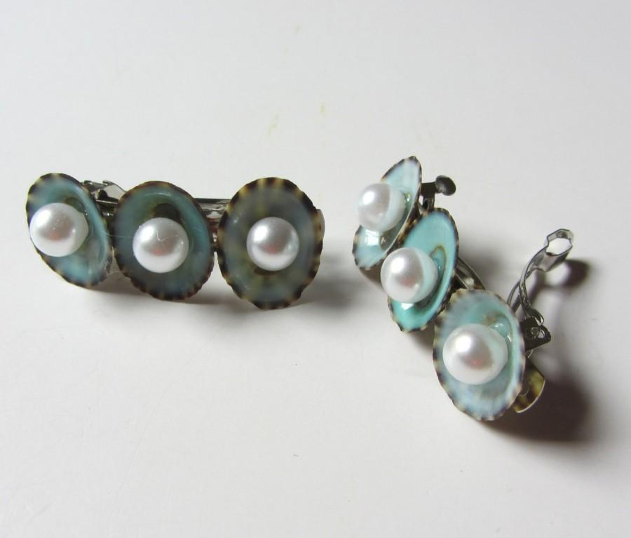 Mariage - Beach Wedding Hair - Something Blue - Limpet Shell and Pearl Hair Barrettes - Small
