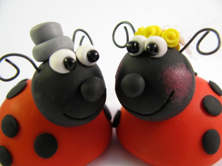 Mariage - Custom wedding cake topper, ladybug, bride and groom, polymer clay