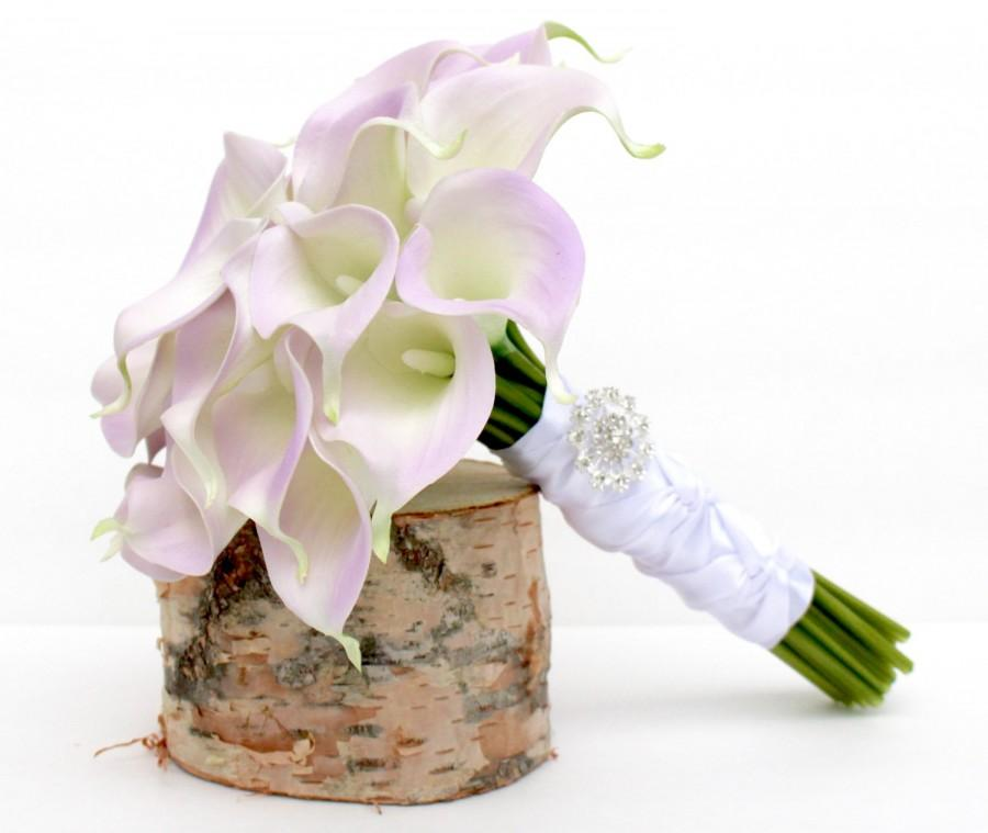 Mariage - CALLA LILY BOUQUET- Real To Touch Lavender Calla Lily Wedding Bouquet, Calla Lily Bridal Brooch Bouquet- Calla Lily Bouquet