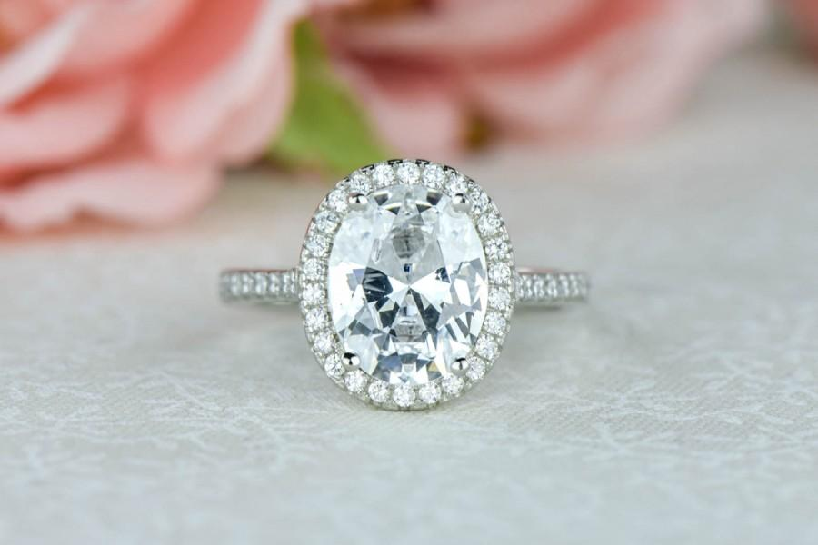 3 25 Ctw Oval Halo Ring Engagement Ring Man Made Diamond Simulants Half E