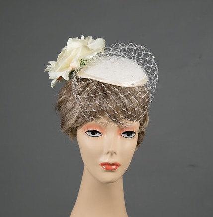 Свадьба - Bridal Fascinator Ivory Big Rose Fascinator Pearl Veil Netting Velvet Bridal Fascinator