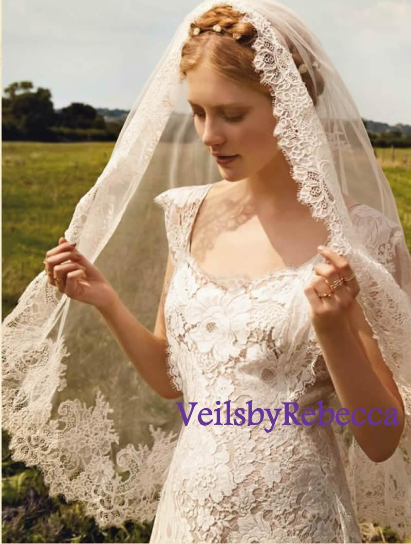 Mariage - 1 tier mantilla veil, elbow length lace veil, wrist length lace veil, fingertip length lace veil, french chantailly lace veil