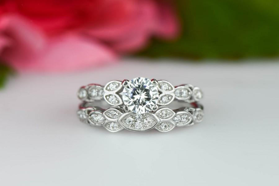 Mariage - 3/4 ctw Floral Wedding Set, Vintage Style Ring, Bridal Rings, Man Made Diamond Simulants, Engagement Ring, Art Deco Ring, Sterling Silver