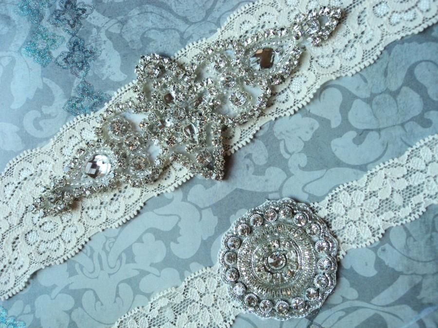 Свадьба - SALE! Wedding Garter Set - Vintage Ivory Lace Garter with Rhinestone Diamond Wedding Garter - Rhinestone Applique - Garter Toss
