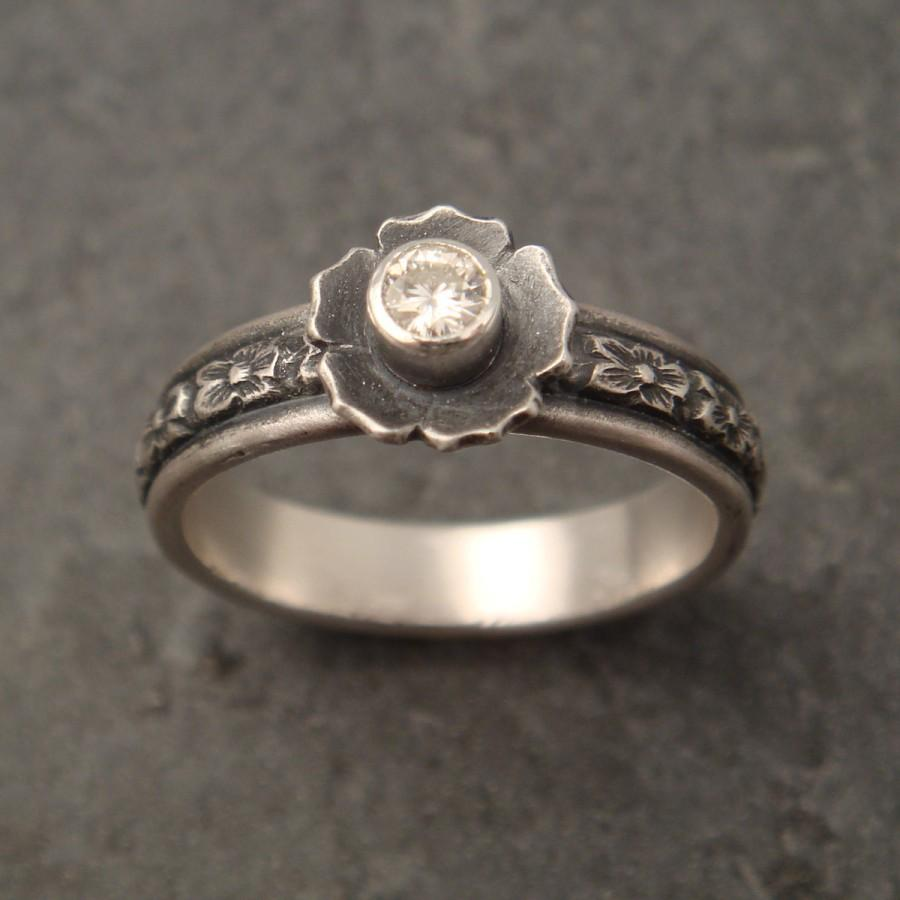 Свадьба - Floral Engagement Ring with Moissanite
