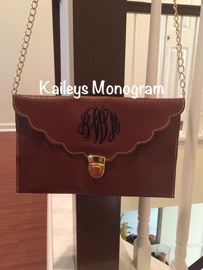 Mariage - Monogram Crossbody Clutch, Scallop Monogram Purse, Personalized Bag, Crossbody Bridesmaid Gift, Kaileysmonogram Kaileys Monogram