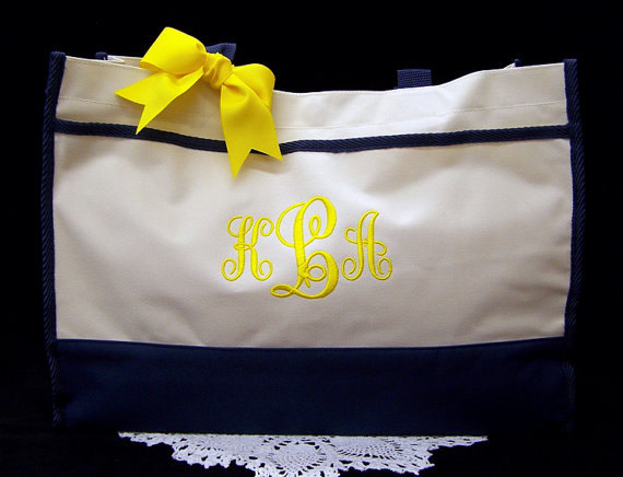 Wedding - 6 Personalized Tote Bags Bridesmaid Gifts Monogrammed Wedding Totes